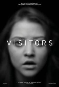 Visage d'une jeune fille avec le titre du film devant les yeux