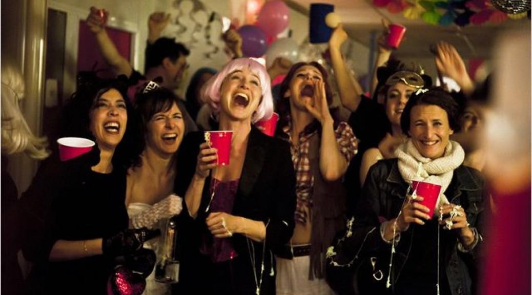 Une scène de party dans Les Gazelles