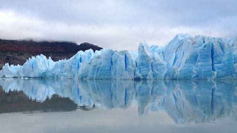Un glacier au Chili, plan dans Au pays de la muraille enneigée