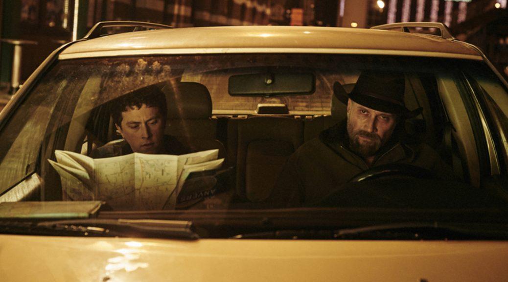 Kid et Alain, en voiture, dans Les Cowboys.