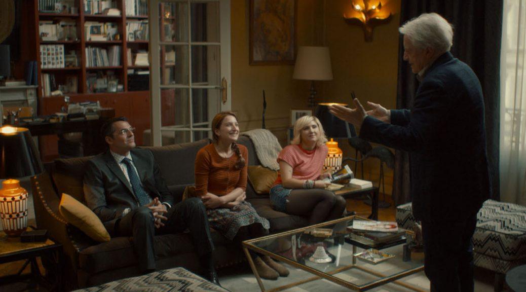 Hubert présente les règles de la colocation à ses trois locataires, dans Adopte un veuf.