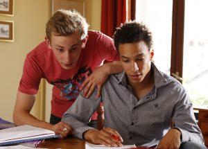Quand on a 17 ans - Kacey Mottet Klein (Damien) and Corentin Fila (Thomas)