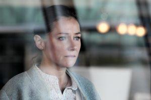 Sidse Babett Knudsen dans le rôle d'Irène Frachon