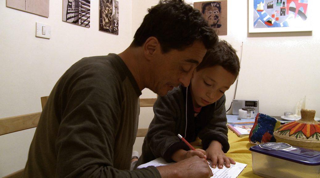 P.S Jérusalem - Tristan apprend l'hébreu à son père
