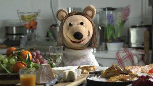Irène à table, dans La sociologue et l'ourson