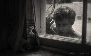 Frère, dans La petite fille qui aimait trop les allumettes