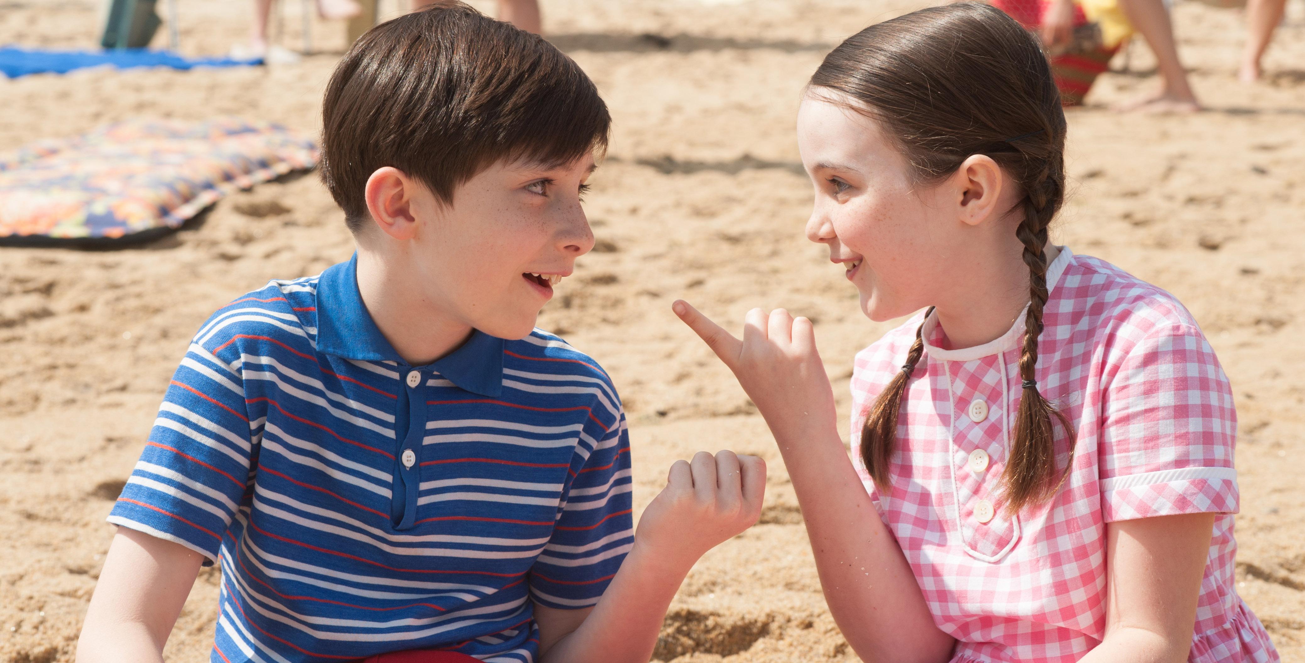 Nicolas et sa copine sur la plage