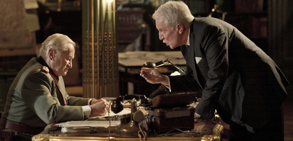Diplomatie, les deux hommes en discusion