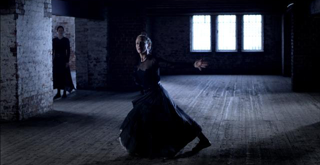Une chaise pour un ange – Danse, danse