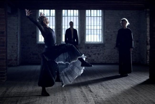 Danse dans une chaise pour un ange