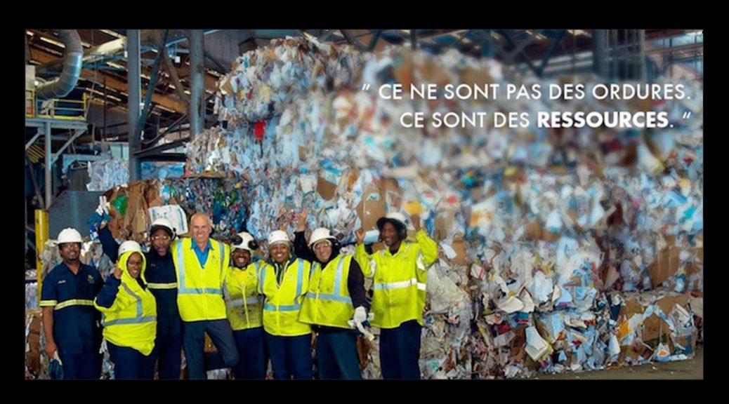 Dans une usine de transformation des déchets, dans Demain.