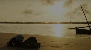Subira et son père sur la plage