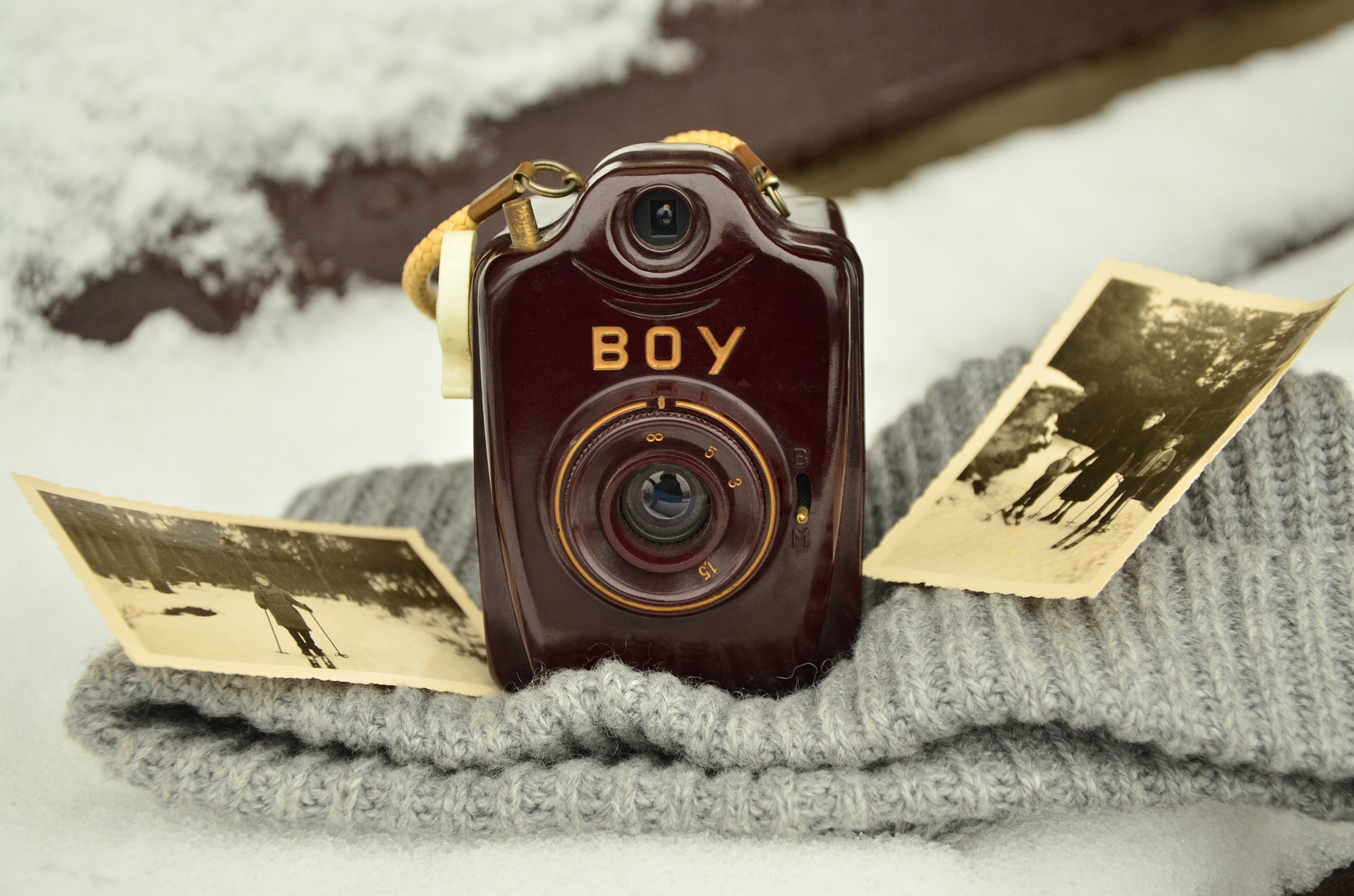 Storing Old Photos and Preserving Precious Memories - Dark place