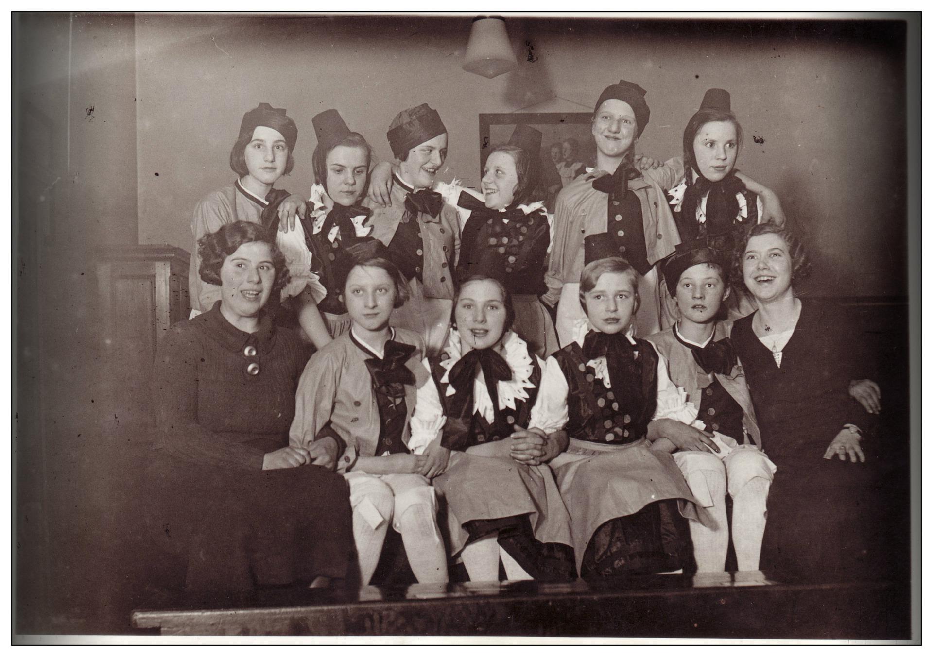 Storing Old Photos and Preserving Precious Memories - intro